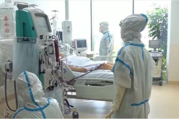 Gần 5.400 ca COVID-19 nặng đang điều trị, 15 địa phương qua 14 ngày không ghi nhận ca mắc mới