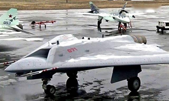Su-57 và Okhotnik gây vấn đề lớn cho Không quân Mỹ