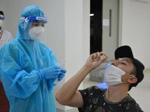Thừa Thiên Huế: Phổ biến test nhanh kháng nguyên SARS-CoV-2 vào cộng đồng