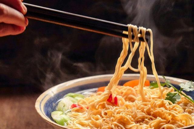 """6 loại thực phẩm này là """"khắc tinh"""" của não bộ, tiêu thụ nhiều sẽ khiến đầu óc ì ạch, kém minh mẫn, dễ mắc hàng loạt các căn bệnh về não"""