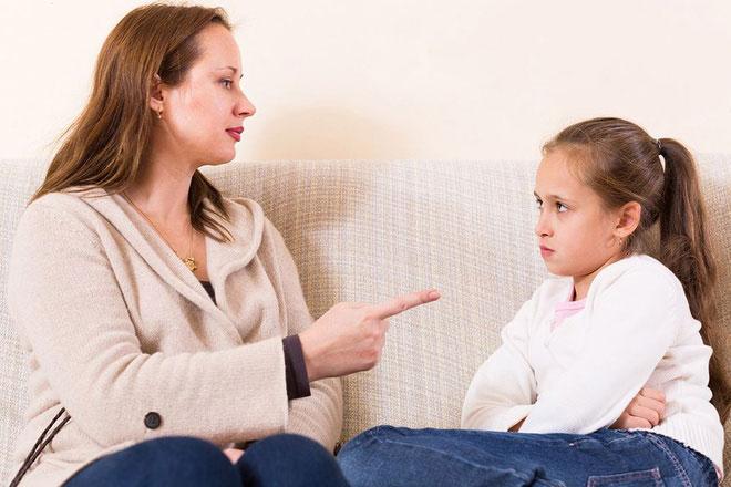 5 điều cha mẹ thông minh không làm khi nói chuyện với con