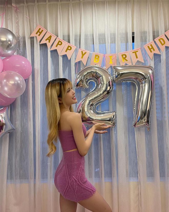Thiều Bảo Trâm khoe body sexy mừng sinh nhật tuổi 27 - Ảnh 3.
