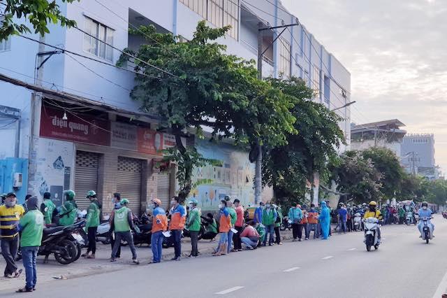TP Hồ Chí Minh: Doanh nghiệp sẽ tự xét nghiệm cho shipper từ ngày 24/9