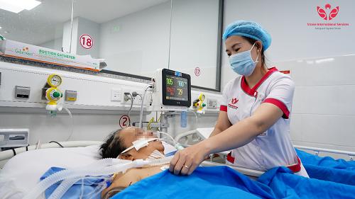 máy lọc máu liên tục CRRT (Baxter PRISMAFLEX của Thụy Điển.