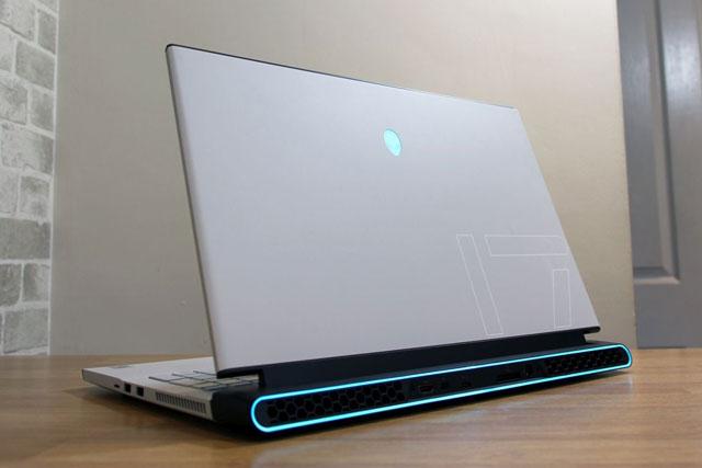 4. Alienware M17 R4 2021.