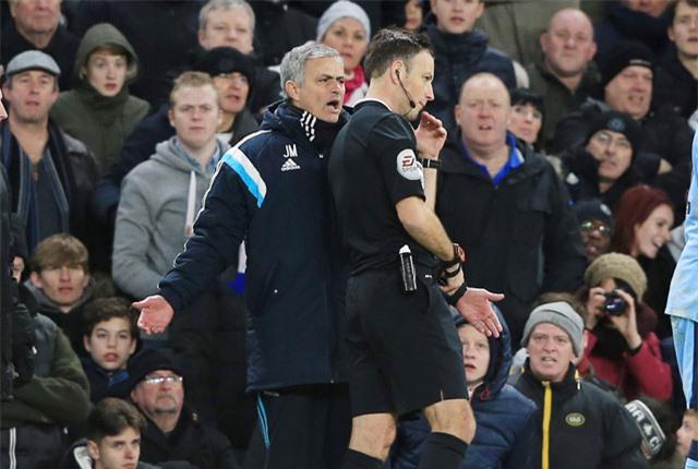 Ông Clattenburg từng có mâu thuẫn với HLV Mourinho