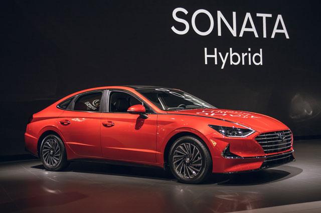 =2. Hyundai Sonata Hybrid 2021 (tổng quãng đường di chuyển khi đổ đầy bình xăng: 1.104 km).