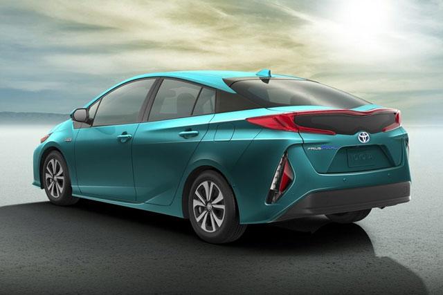 6. Toyota Prius Prime 2022 (tổng quãng đường di chuyển khi đổ đầy bình xăng: 1.030 km).