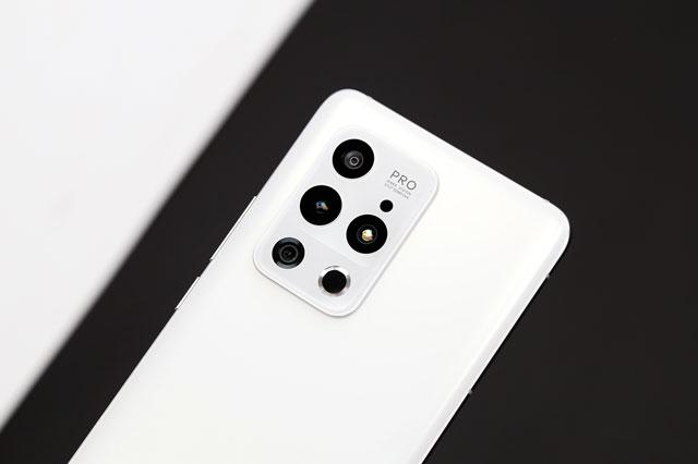 Smartphone chống nước, cấu hình mạnh bậc nhất thế giới, giá hơn 16 triệu đồng