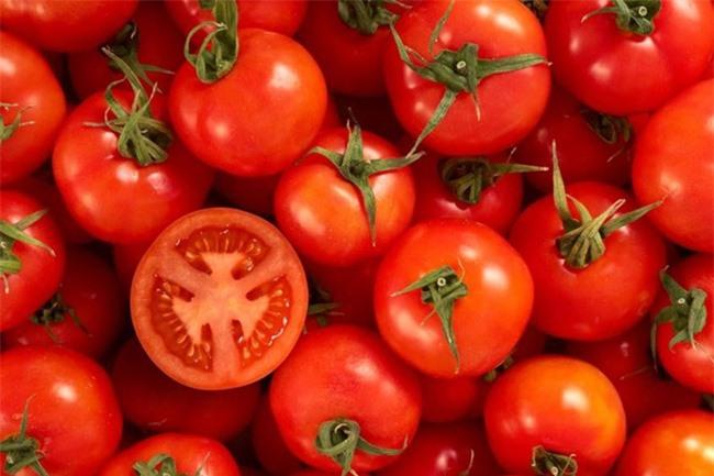 Ăn cà chua sống có tác dụng gì? Ăn cà chua sống thế nào là đúng cách?  - Ảnh 3.