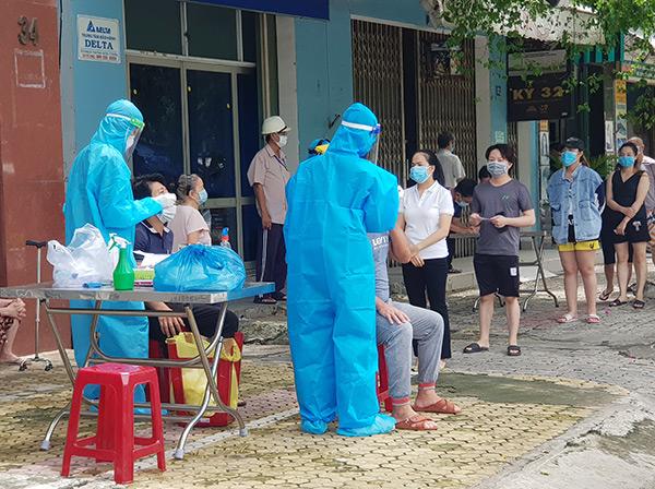 Đà Nẵng: Hơn 74% dân số trên 18 tuổi đã tiêm vaccine, các chuỗi lây nhiễm đều được kiểm soát