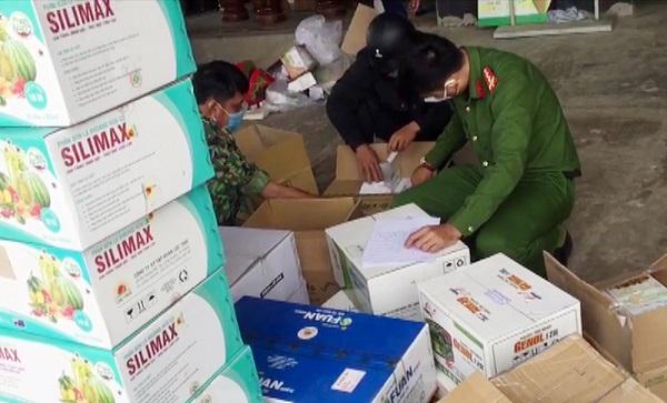 An Giang: Phát hiện trên 3.200 chai, gói thuốc bảo vệ thực vật và phân bón không rõ nguồn gốc