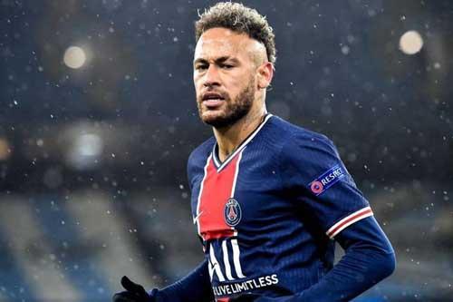 5. Neymar (PSG) – Tổng tài sản: 185 triệu USD.
