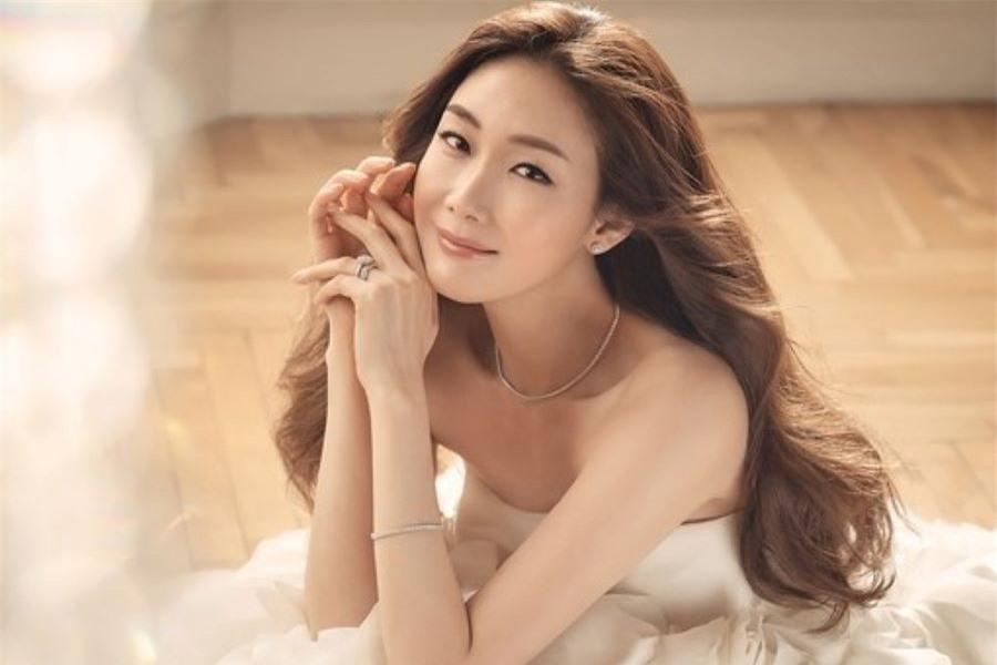 """Song Hye Kyo, Han Hyo Joo, Son Ye Jin và Choi Ji Woo rủ nhau tái xuất trên màn ảnh, fan háo hức xem dàn """"mỹ nhân 4 mùa"""" so găng - Ảnh 3."""