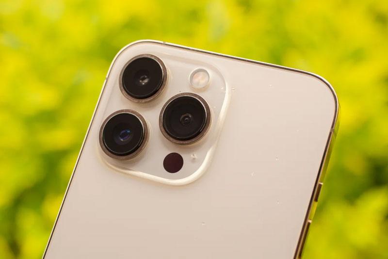 Camera sau của iPhone 13 Pro.