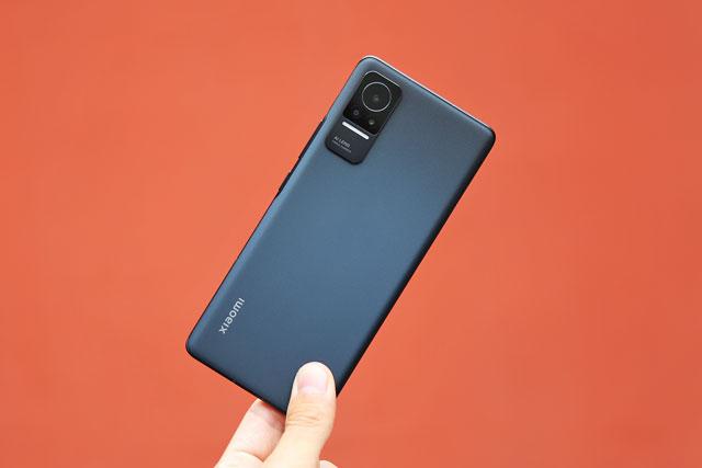 Smartphone cấu hình 'khủng', màn hình 120Hz, sạc siêu tốc, giá hơn 11 triệu đồng