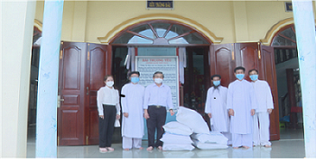 Trà Vinh: Hỗ trợ gạo cho các cơ sở tôn giáo bị ảnh hưởng bởi dịch COVID-19