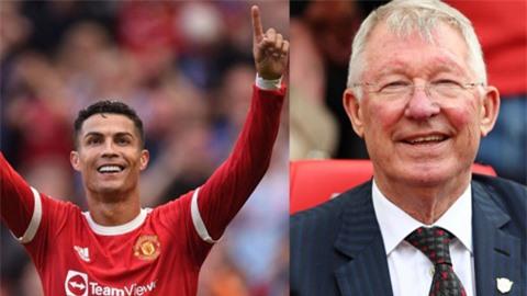 Ferguson: 'Ronaldo quay lại MU như Ceasar tiến vào thành Rome'