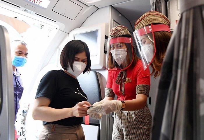 Vietjet tặng miễn phí xét nghiệm nhanh COVID-19 cho các hành khách khởi hành từ TP Hồ Chí Minh.