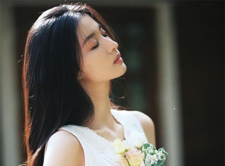 Ngắm nữ diễn viên có nhan sắc, khí chất được so sánh với Lưu Diệc Phi - 11