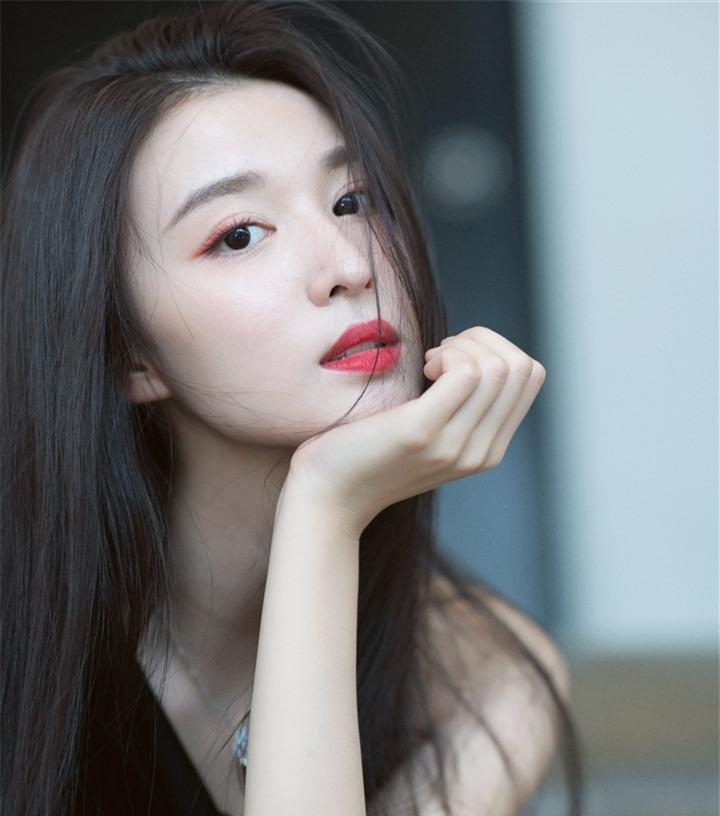 Ngắm nữ diễn viên có nhan sắc, khí chất được so sánh với Lưu Diệc Phi - 14