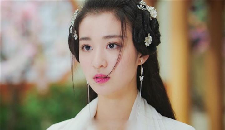 Ngắm nữ diễn viên có nhan sắc, khí chất được so sánh với Lưu Diệc Phi - 3