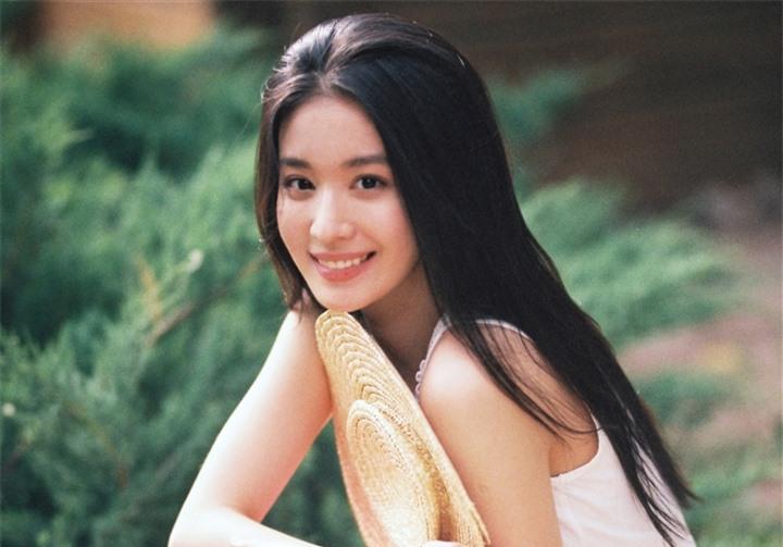 Ngắm nữ diễn viên có nhan sắc, khí chất được so sánh với Lưu Diệc Phi - 5