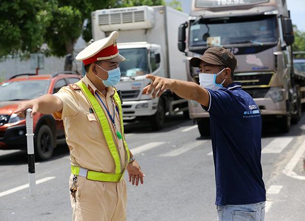 Người dân từ vùng không có dịch của tỉnh Quảng Nam khi vào TP Đà Nẵng được tạo điều kiện tối đa