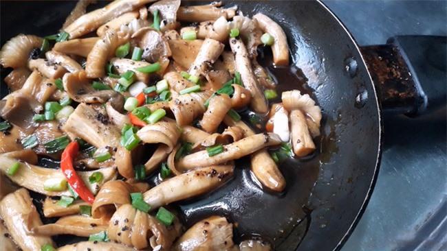 5 món ăn không nên hâm nóng lại vì dễ sản sinh độc tố gây ung thư, đáng tiếc người Việt đều ăn mỗi sáng cho tiết kiệm - Ảnh 3.