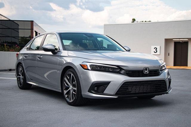 8. Honda Civic (doanh số: 63.619 chiếc).
