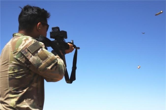 Bộ Tư lệnh Tác chiến đặc biệt Mỹ (SOCOM) xác nhận, UAV chính là nguy cơ lớn nhất với binh sĩ Mỹ khi hoạt động tại Syria và Iraq. Kể từ cuối năm 2019, lược lượng Mỹ tại Syria đã bị tấn công ít nhất 4 lần bằng UAV cỡ nhỏ.