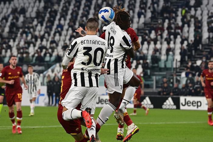 Hạ Roma của Mourinho, Juve thắng trận thứ 4 liên tiếp ở Serie A