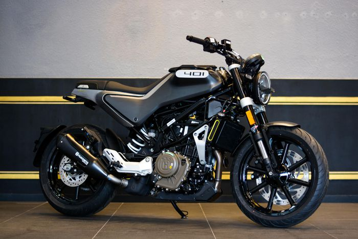 Cận cảnh bộ đôi môtô Husqvarna chính hãng tại Việt Nam, giá từ 159 triệu đồng