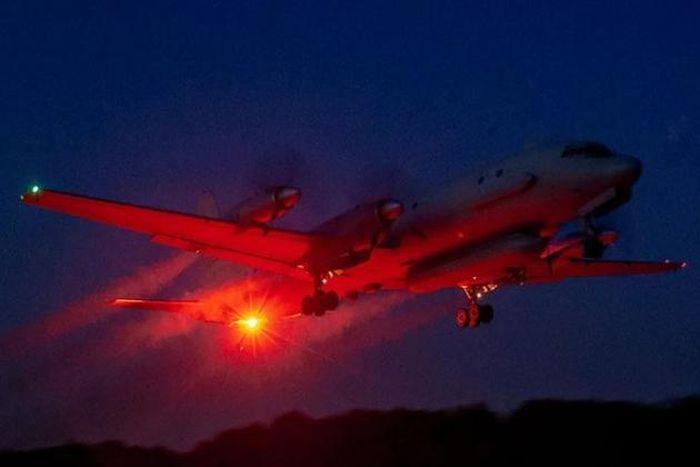 Tiêm kích Israel suýt bắn hạ máy bay trinh sát Nga khi tấn công Syria?