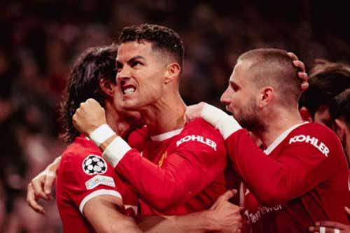 Ronaldo: 'Man United không bao giờ bỏ cuộc!'
