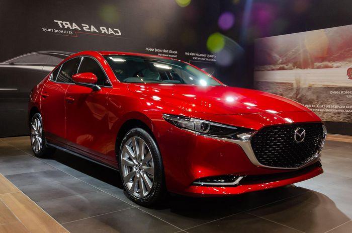 Mazda3 hụt hơi trong cuộc đua với Kia Cerato