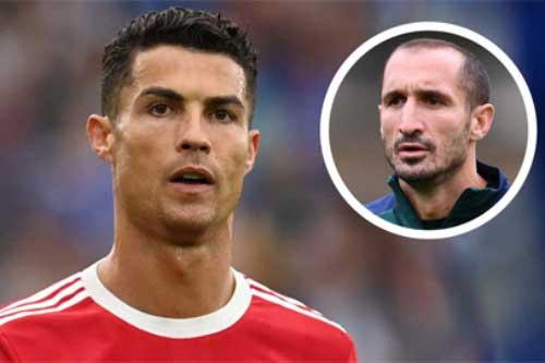 Chiellini: 'Giá mà Ronaldo rời Juventus sớm hơn'