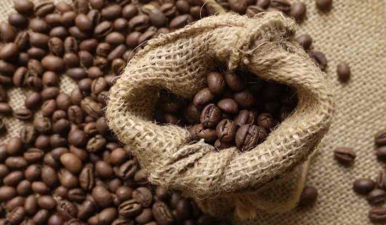 """Giá cà phê xuất khẩu """"lập đỉnh"""" cao nhất trong 4 năm trở lại đây"""