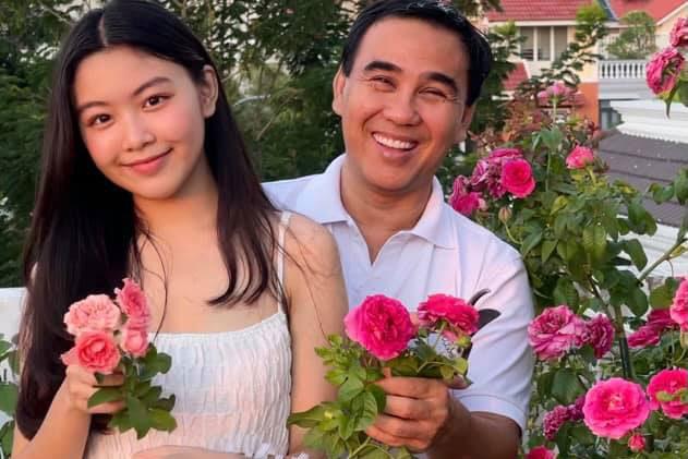 Mê mẩn khu vườn sân thượng của bà xã Quyền Linh