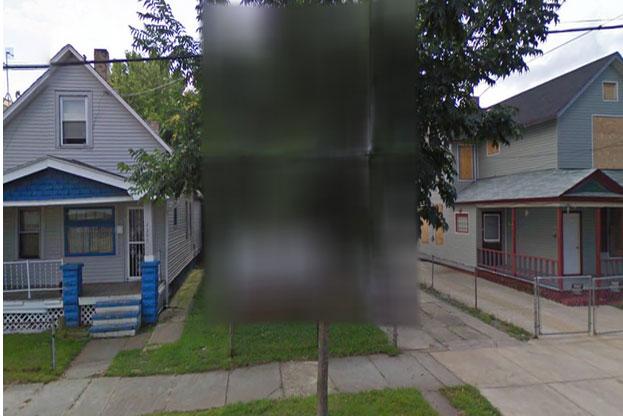 """Bí ẩn về ngôi nhà """"ác quỷ"""" không được hiển thị trên Google Maps - nơi chôn giấu vụ bắt cóc thương tâm từng ám ảnh nước Mỹ một thời"""