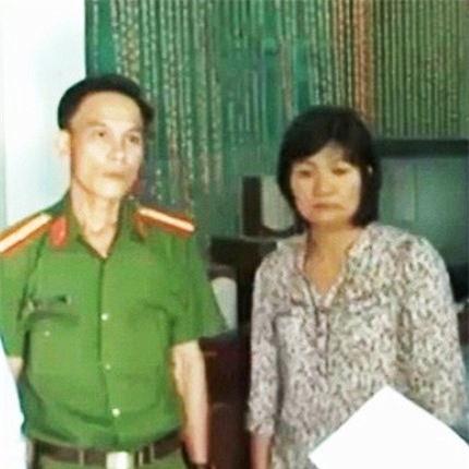 Bà Nguyễn Thị Bình tại cơ quan điều tra. Ảnh: Dân trí