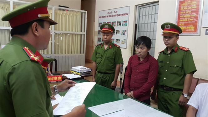 Trần Văn Sang tại cơ quan công an. Ảnh: Thanh niên