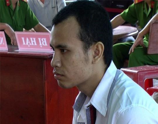 Đào Văn Thắng tại phiên xét xử lưu động. Ảnh báo Người lao động.