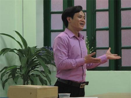 Hình ảnh ông Nguyễn Mạnh Quân trong giờ giảng dạy cho các học viên.