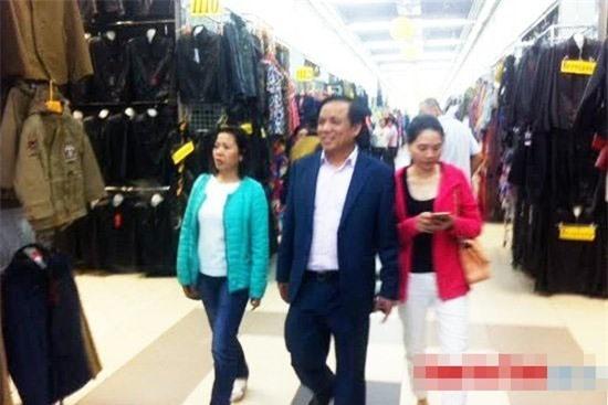 Doanh nhân Hoàng Văn Vinh hiện đang nắm cổ phần chi phối tại 3 trung tâm thương mại