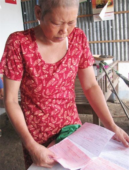 Bà Lan không còn khả năng để điều trị bệnh hiểm nghèo, giờ bà có thể ra đi bất cứ lúc nào.