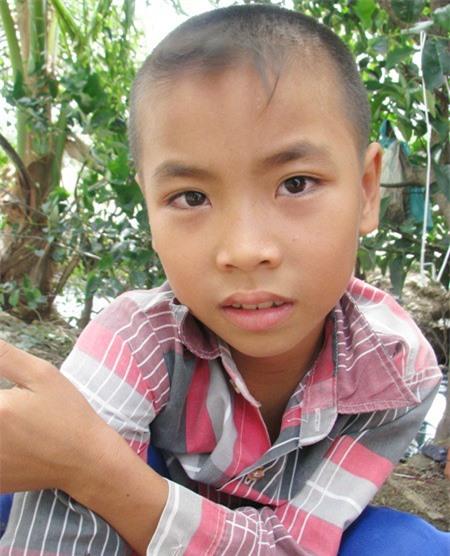 Cháu Phan Văn Thịnh, 10 tuổi, đang học lớp 3.