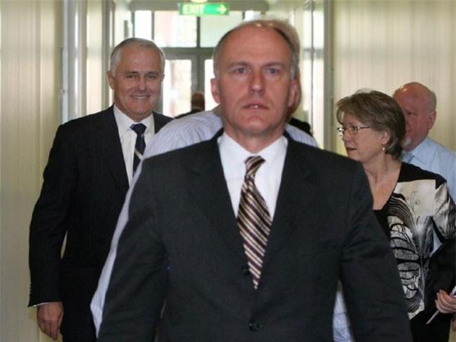 Ông Turnbull giữ quan điểm ủng hộ hôn nhân đồng giới, trái ngược so với ông Tony Abbott. Tân Thủ tướng Australia từng tuyên bố nếu đưa vấn đề hôn nhân đồng giới ra bỏ phiếu thì ông sẽ bỏ phiếu thuận. Trong một bài viết đăng trên blog hồi tháng 8, Turnbull cho rằng hôn nhân đồng giới không nên là một chủ đề gây tranh cãi trong cuộc bầu cử sắp tới. Ngoài ra, ông còn chú trọng đến vấn đề chống biến đổi khí hậu và tăng thêm quyền cho phụ nữ.