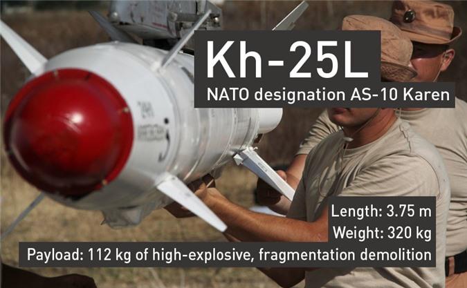 Tên lửa dẫn đường Kh-25L dài 3,75m, nặng 320kg, trong đó có 112kg thuốc nổ.