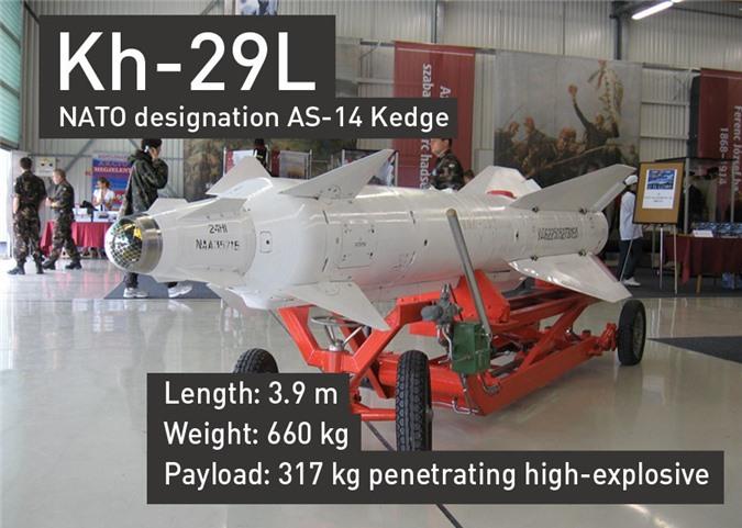 Tên lửa dẫn đường Kh-29L dài 3,9m. nặng 660kg, trong đó có 317kg thuốc nổ.